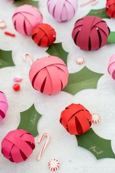 Holly and berry surprise balls. Gift some treats to a friend or neighbor with this easy holly and berry surprise ball tutorial! Noel Christmas, Little Christmas, Christmas Projects, All Things Christmas, Holiday Crafts, Holiday Fun, Christmas Colors, Winter Christmas, Paper Christmas Decorations