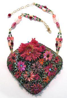 Kerrie Slade ~ Contemporary Beadwork - Beaders' Gallery
