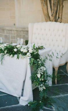 57 ideas for vintage wedding reception ideas centerpieces head tables Head Table Wedding, Wedding Reception Seating, Reception Ideas, Sweet Heart Table Wedding, Wedding Venues, Wedding Ideas, Mod Wedding, Floral Wedding, Wedding Flowers