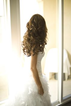 My dream dress is a strapless sweetheart neck line sparkly top then the dress will be wavy all the way down!!