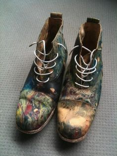 Love the idea of painting old boots and making them spectacular.