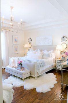 Pink + Blue Summer Bedroom - 3 simple steps for the perfect summer bedroom - Ran. Pink + Blue Summer Bedroom - 3 simple steps for the perfect summer bedroom - Randi Garrett Design Summer Bedroom, Dream Bedroom, Home Decor Bedroom, Design Bedroom, Chic Bedroom Ideas, Pink Master Bedroom, Bed Design, Bedroom Inspo, Modern Bedroom