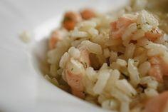 Risotto de salmón. Cremoso pero no graso, con el sabor inconfundible del salmón pero sin anular al resto de ingredientes.