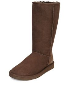39 best uggs outfit images ladies fashion winter boots casual rh pinterest com
