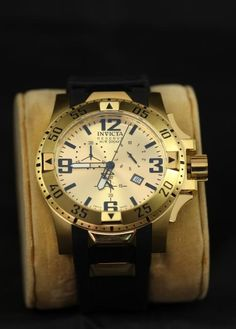 """Invicta men's reserve watch marked on back """"All stainless steel Swiss made W/R 200MT 660FT chronograph movement model No. 6267 Reserve collection cons. No. 112803-53258 flame-fusion crystal tm"""" with rubber silicone band. Not incl watch pillow."""