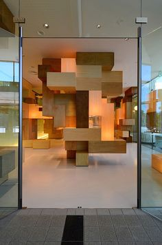 JAIST Gallery by Tatsu Matsuda Architects is a gallery for the third biggest puzzle collection in the world, and of course the biggest in Japan. Three spaces are required at the entrance hall of the existing university building: space to exhibit various collections of puzzles; space where children can freely play with puzzles; and, space to archive puzzles and documents.