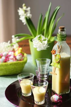 Narancsos tojáslikőr - Kifőztük, online gasztromagazin Cocktail Drinks, Cocktails, Milkshake, Preserves, Vodka, Recipies, Food And Drink, Cooking Recipes, Easter