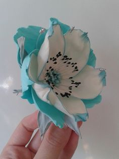 Present perfect creations Paper Flowers Craft, Flower Crafts, Flower Art, Giant Flowers, Diy Flowers, Fabric Flowers, Polymer Clay Flowers, Ceramic Flowers, Plastic Bottle Flowers