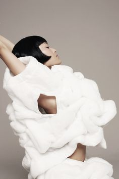Movement for Comme des Garcon  2010 |작성자   by Park Ki Sook.  Elle Corea September  2010 [출처 #fashion