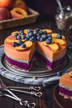 Vegan Peach Blueberry Yoghurt Cake With Chia Seeds – Barbara Just Veganer Pfirsich-Heidelbeer-Joghurt-Kuchen mit Chia-Samen – Barbara Just Fancy Desserts, Delicious Desserts, Yummy Food, Raw Cake, Vegan Cake, Raw Vegan Cheesecake, Lemon Cheesecake, Sweet Recipes, Cake Recipes