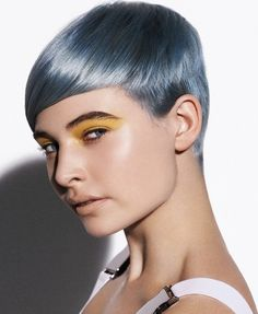 Creative Hair Color Trends 2012 - Add sizzle to your polished crop by embracing one of these creative hair color trends for Try plenty of shades to find your signature new season look. Metallic Hair Color, Hair Color Blue, Cool Hair Color, Green Hair, Purple Hair, Silver Blue Hair, Short Hair Cuts, Short Hair Styles, Hair Colour Design