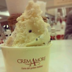 I went to shopping mall with my friend! I ate gelato.This taste was good!