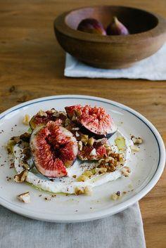 Smashed Figs with Labneh. Smashed Figs with Labneh Walnuts and Sumac Fig Recipes, Lebanese Recipes, Vegetarian Recipes, Cooking Recipes, Healthy Recipes, Jai Faim, Good Food, Yummy Food, Tasty