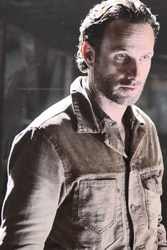 Thing to know about me- Rick Grimes! He's from The Walking Dead TV Show and i love his character. Best Tv Shows, Best Shows Ever, Favorite Tv Shows, Andrew Lincoln, Rick Grimes, The Walking Dead 2, Drama, Daryl Dixon, Gorgeous Men