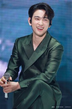 """Fun fact: Jinyoung's smile can literally make everything better"" Got7 Jackson, Mark Jackson, Jackson Wang, Youngjae, Got7 Yugyeom, Park Jinyoung, Got7 Jinyoung, K Pop, Jin Pic"