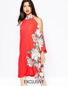 Super cool Liquorish Cold Shoulder Dress in Floral Placement Print - Red Liquorish Kjoler til Damer i lækker kvalitet