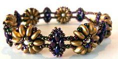 Golden Flowers Bracelet Class Beaded Jewelry, Beaded Bracelets, Jewelry Making Classes, Iglesias, Beading Ideas, Bead Weaving, Free Pattern, Jewelery, Wedding Photography