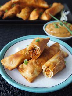Chicken tequeños with oriental sauce // Peru Delights #KikkomanSabor #ad