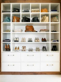 Handbag Storage - Design photos, ideas and inspiration. Amazing gallery of interior design and decorating ideas of Handbag Storage in closets by elite interior designers. Dressing Room Closet, Dressing Room Design, Closet Bedroom, Closet Space, Master Closet, Master Bedroom, Closet Storage, Bedroom Storage, Closet Organization