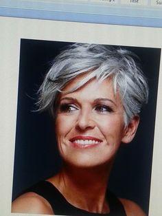 Die 75 Besten Bilder Von Haare Ab 60 Grey Hair White Hair Und