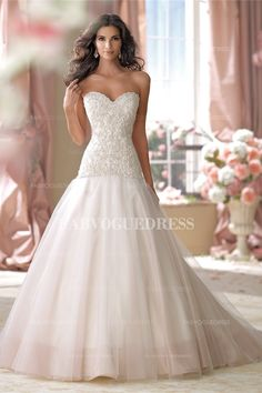 A-Line/Princess Sweetheart  Strapless Court Train Tulle wedding dress