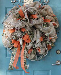 Camouflage Wreath Camo Wreath Burlap Wreath by UpAndreasAlley Camo Wreath, Hunting Wreath, Nautical Wreath, Wreath Burlap, Deco Mesh Wreaths, Fall Wreaths, Rustic Wreaths, Dyi Crafts, Fall Crafts