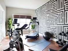 There is no rule that the home gym room is only for athletes. In fact, this gym room at your home can be the sign that you really have a big concern about your health. Dream Home Gym, Gym Room At Home, Workout Room Home, Workout Rooms, Workout Room Decor, Home Exercise Rooms, Best Home Gym Setup, Home Yoga Room, Small Home Gyms