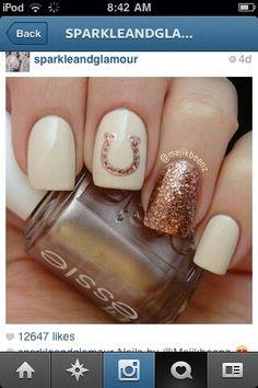 Horse shoe nail art