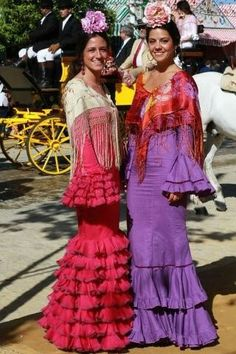 Flamenca Spanish Holidays, Costumes Around The World, Gypsy, Dancer, Give It To Me, Sari, Velvet, Victoria, Boho