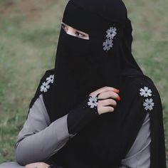 Muslim Wedding Dresses, Muslim Brides, Muslim Girls, Dress Wedding, Wedding Bride, Muslim Couples, Burqa Fashion, Muslim Fashion, Casual Hijab Outfit