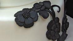 fondant-cake-decorating---making-flowers-Monkey See