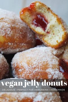 I love making homemade donuts. They are so much better and fluffier when they are fresh. If you have never made homemade donuts it is actually way easier than you think. The biggest pain is waiting Vegan Donut Recipe, Vegan Doughnuts, Donut Recipes, Baking Recipes, Baked Donuts, Cream Donut Recipe, Healthy Donuts, Pastry Recipes, Baking Tips