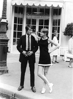 Jacques Dutronc et Zouzou la twisteuse Men's Fashion, Sixties Fashion, Fashion History, Retro Fashion, Vintage Fashion, Fashion Images, Fashion Ideas, Retro Vintage, Vintage Love