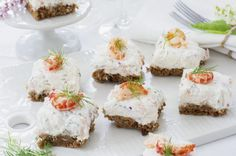 Familjens gubbröra - Recept - Tasteline.com Feta, Tapas, Cheesecake, Appetizers, Snacks, Desserts, Recipes, Velvet, Tailgate Desserts