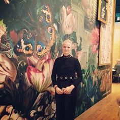 The designer of the Digital Wallcoverings of our Dutch Masters collection Katarina Stupavska in front of her design. #katarinastupavska #heimtextil #heimtextile #heimtextil2016 #heimtextile2016 #dutchmasters #wallcoverings #wallcovering #digitalwallpaper #bninternational #bnwallcoverings