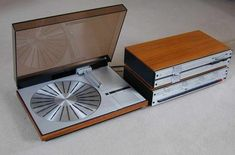Bang & Olufsen Beogram 4000 by Jacob Jensen. Equipment For Sale, Audio Equipment, Vynil, Room Acoustics, Cool New Gadgets, Audio Design, Bang And Olufsen, Record Players, Hifi Audio