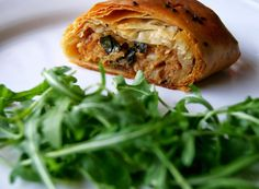 Alheira Sausage and Apple Strudel Recipe Quiches, Strudel Recipes, Healthy Cooking, Healthy Recipes, Catering Food, Everyday Food, Food Dishes, Wine Recipes, Food Inspiration