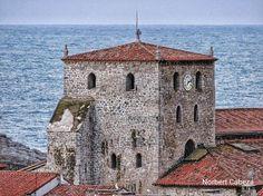 Otra perspectiva de La Basílica Santa Maria del Concejo de Llanes