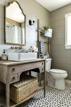 I show a group of 10 classy and eclectic bathrooms.