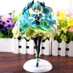 (38.56$)  Watch now  - Anime doll vocaloid Hatsune Miku snow in summer 1/7 scale pre-painted pvc action figure kawaii model toy juguetes brinquedos