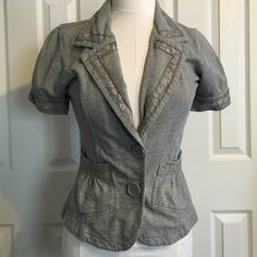 Short sleeve blazer Cute cotton short sleeve blazer with lace and two front pockets Daytrip Other