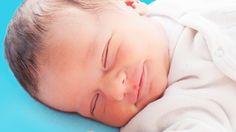 Babys brauchen Zeit, bis sie durchschlafen können. Wir stellen Dir hier die wichtigsten 10 Tipps vor, mit denen Dein Baby schlafen lernen kann.