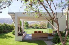 Casa Urzua Cofre / Raimundo Anguita