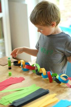 17 Game-Winning Olympics Crafts for Kids via Brit + Co Olympic Idea, Olympic Games For Kids, Olympic Colors, Jo Sport, Olympic Crafts, Theme Sport, Winter Games, Summer Games, Sports Day