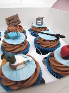 Cupcakes for groom's cake--my baby loves to fish @Katherine Adams Adams Trantham
