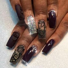 Just gave her the Business! Lace Nail Art, Lace Nails, Cool Nail Art, New Nail Designs, Creative Nail Designs, Creative Nails, Cute Black Nails, Almond Eye Makeup, Different Types Of Nails