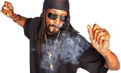 Le rappeur #SnoopDogg collabore avec la marque de bijoux #KingIce pour une collection exclusive baptisée #JunglJulz.