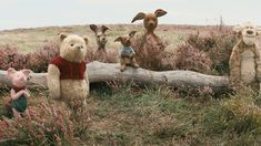 Watch Christopher Robin 2018 Full Movie Online Free Working Class Family Man Christopher Robin Encount Christopher Robin Winnie The Pooh Freunde Winnie Puh