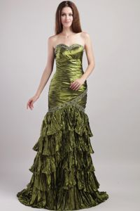 Brush Train Olive Green Sweetheart Evening Dresses with Beadings