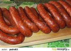 "Čabajská klobása - ""Csabai kolbász"" recept - TopRecepty.cz Slovak Recipes, Czech Recipes, Ethnic Recipes, Healthy Diet Recipes, Cooking Recipes, Homemade Sausage Recipes, No Salt Recipes, How To Make Sausage, Pork Tenderloin Recipes"